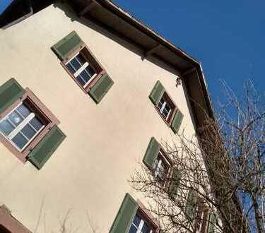 Schönes, geräumiges Haus mit fünf Zimmern in bester Lage in Inzlingen zu vermieten