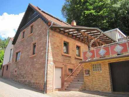Linden - Freistehendes 1-2 Familienhaus mit Garage