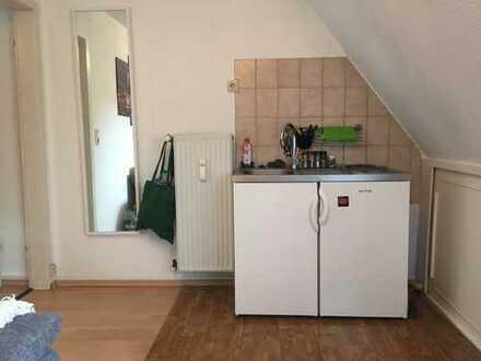 2-Zimmer-Dachgeschosswohnung mit in Lindenthal, Köln