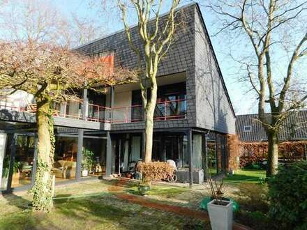 Familien aufgepasst! Sehr großzügiges Architektenhaus mit großem Garten sucht neue Eigentümer
