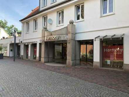 Großzügige Gewerbeeinheit mit repräsentativem Schaufenster in der Fußgängerzone von Lohne