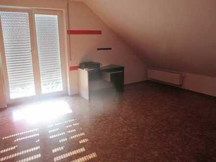 1 Zimmer zu vermieten als Mitbewohner/in, in einer 3 WG Nähe Tübingen