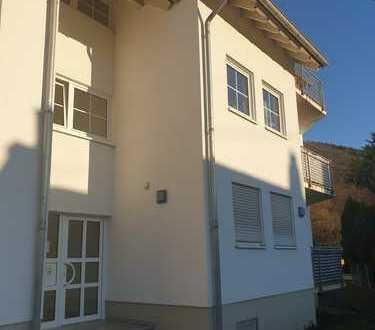 In sehr gepflegtem Haus: Gemütliche und helle 3 Zimmer-Eigentumswohnung in ruhiger Lage