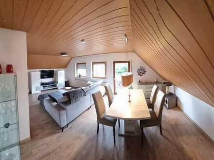 Modernisierte 3-Zimmer-Dachgeschosswohnung mit Balkon und EBK in Nürnberg