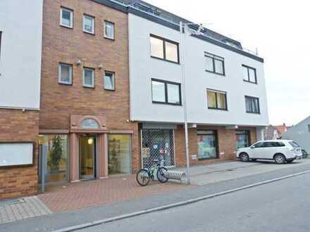 Büro- und Praxisflächen in zentraler Lage mit angrenzendem Parkplatz
