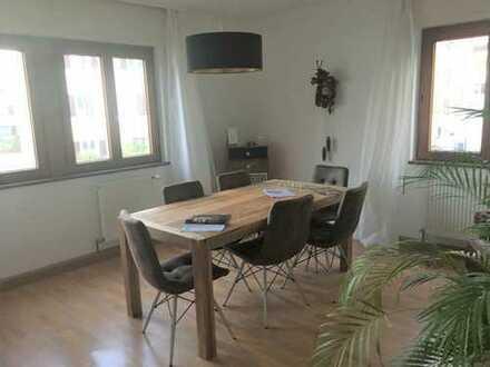 Helle 3-4-Zimmer-Wohnung in Esslingen