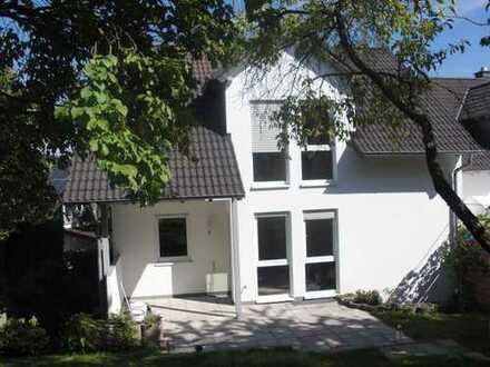 Schönes Haus mit fünf Zimmern in Hochtaunuskreis, Usingen