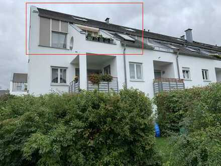ALLES NEU !!! Whg. mit Dachterrasse + Laminat + Stellplatz !