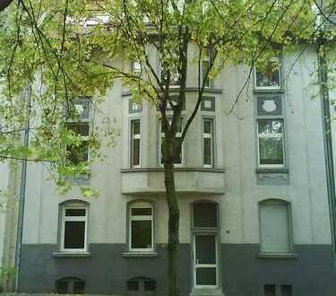 Wohnung mit viel Platz für die ganze Familie * 2 sanierte Bäder * Garten im Hof *