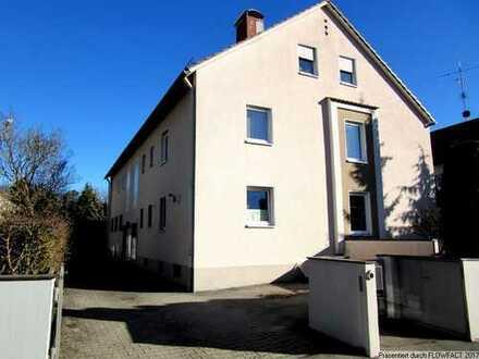 Geräumige Doppelhaushälfte mit Wintergarten und Schwimmbad