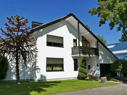 Repräsentatives + hochwertig ausgestattetes 1-2 Familienhaus mit schönem Garten im Märchenviertel!