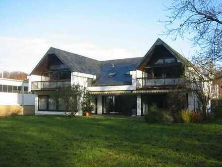 Schönes, geräumiges Haus mit sieben Zimmern im Main-Kinzig-Kreis, Großkrotzenburg, von Privat