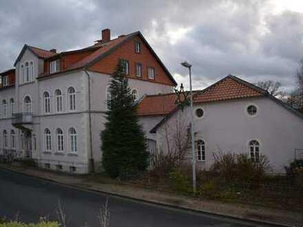 Kapitalanlage in Toplage: 6-Familienhaus mit Scheune und ca. 3.992 m² Grundstück