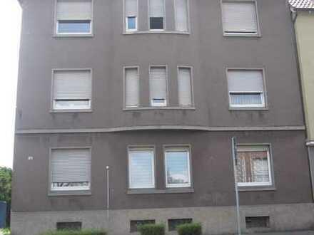Mehrfamilienhausverkauf In Hamm mit Garagen,Stellplätze und großen Garten