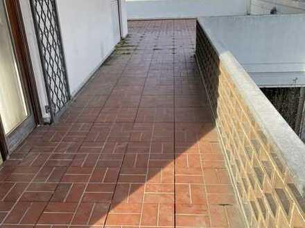 Stilvolle wohnung mit grosser Terrasse