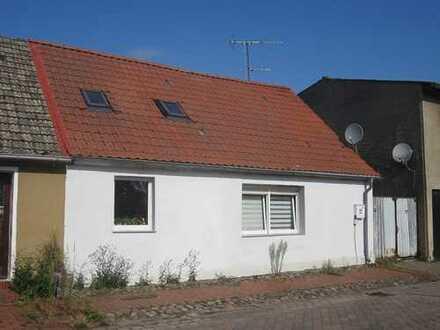 ZWANGSVERSTEIGERUNG - Sanierungsbedürftiges Wohnhaus im malerischen Wiesenburg/Mark