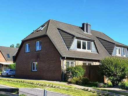Schöne vermietete DG Wohnung in Kiel- Wellsee ( 4 WE)