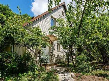 Bezugsfrei! Einfamilienhaus in begehrter Lage in Berlin - Hermsdorf