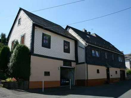 Wohnhaus mit Nebengebäude, Garage - Bad Lobenstein OT