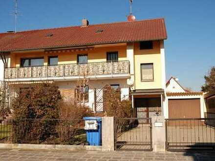 Ab sofort verfügbar: Sehr große 3 Zimmerwohnung mit Sonnenbalkon in ruhiger Lage von N.-Neunhof