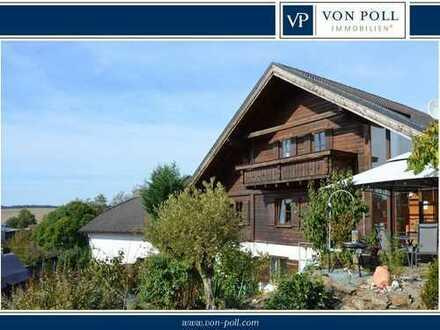 Holz, Licht und Platz: Idyllischer Familientraum am Feldrand mit neuem Bad, moderner EBK und Carport