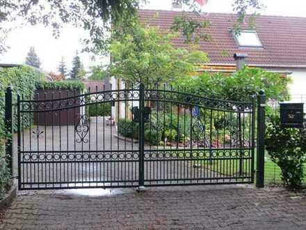Schönes freistehendes Haus mit sechs Zimmern in Fürstenfeldbruck (Kreis), Puchheim