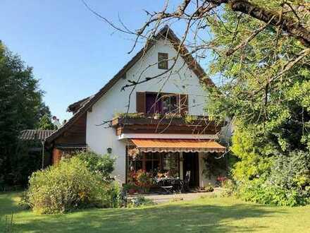 Sendling am Südpark!! Traumhaftes Zweifamilienhaus mit ca. 866m²- Südgarten in idyllischer Lage