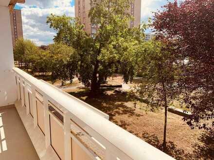 4-Raumwohnung mit Aufzug und Balkon