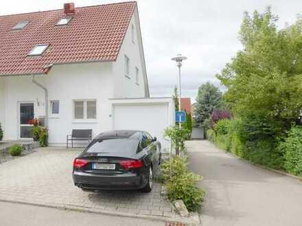 Traumhafte Doppelhaushälfte mit Garage in Top Lage - einziehen und wohlfühlen!