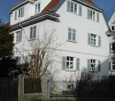 RT-Georgenberg, 4-Zimmer-Wohnung, 1. OG, renovierter Altbau in guter Wohnlage