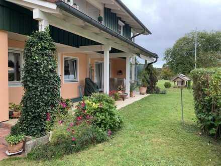 Wunderschöne EG- Wohnung mit Terrasse/ Garten nahe Traunstein auf sonnigem Grundstück