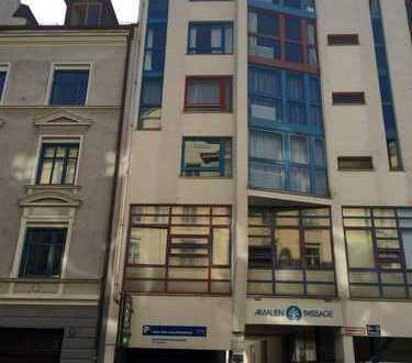 Traumlage Amalienpassage, an der Uni: Attr. möblierte 1,5-Zimmer-Single-Wohnung m. Balkon