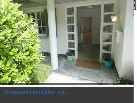 Charmante Doppelhaushälfte in französischem Landhausstil in WI-Naurod