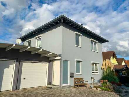 Exklusives und modernes Einfamilienhaus in idyllischer Lage direkt am Bachlauf in Keltern-Weiler