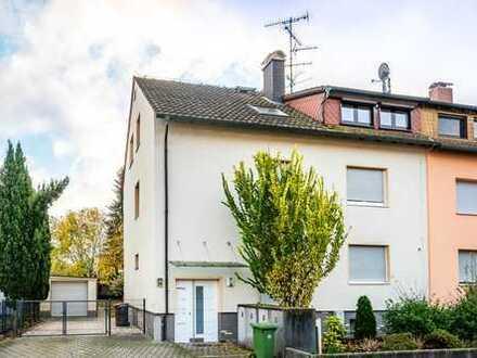Maintal-Dörnigheim: Gemütliche 2,5 Zimmer-Dachgeschoss-Wohnung mit Süd-Balkon in kleiner Wohneinheit