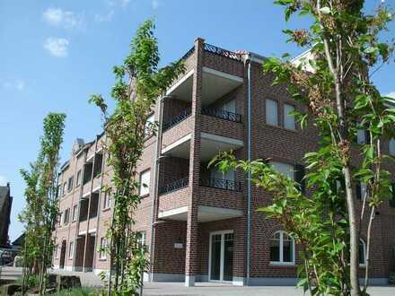 Helle, schöne & gehobene 3-Zimmer-Wohnung mit zwei Balkonen (SW & SO) im 1.OG mitten im Zentrum