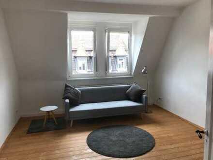 Wunderschön möblierte Wohnung im schönen Altbau in mitten von Gostenhof - 4 OG