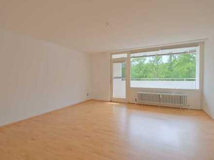 Gepflegte Wohnung mit tollem Schnitt, Balkon & Aufzug!