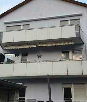 Schöne 5-Zimmer-Wohnung mit Balkon in ruhiger Lage