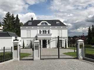 Herrschaftliche, repräsentative großzügige Villa zu verkaufen