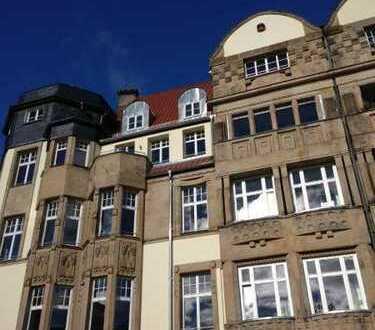 Villenstrasse Nähe Bahnhof in CO ** ca. 140 m² ** gr. Glasfront