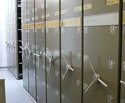 Aktenlager mit Rollregalen für 8000 und 6000 Akten