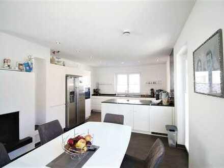 Hier macht Wohnen glücklich! Moderner Familienwohntraum in ruhiger, gewachsener Nachbarschaft!
