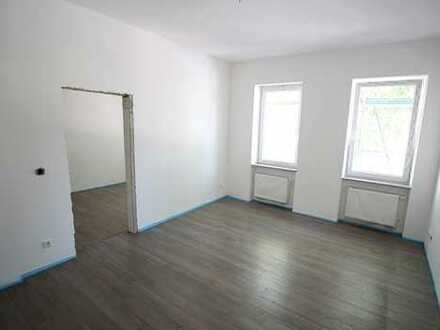 Erstbezug nach Sanierung! Großzügige 3-Zimmer-Wohnung mit Badewanne und Dusche - Fürther Stadtgrenze
