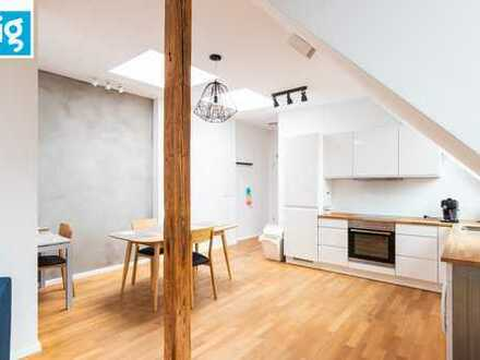 Designer Penthouse apartment in top Friedrichshain location !