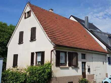 Schönes Haus mit viel Potential in Rems-Murr-Kreis, Weinstadt