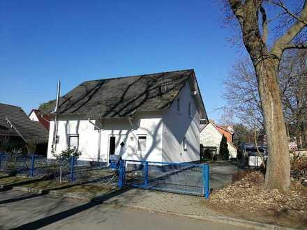Schönes Einfamilienhaus mit vier Zimmern in Bestlage von Birkenwerder