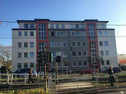 Exklusive , helle gut geschnittene 3-Zimmer-Wohnung mit Balkon und EBK in Niehl, Köln