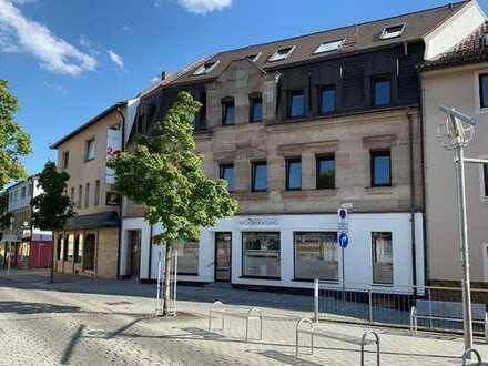 Erstbezug nach Sanierung mit Balkon: traumhafte 2-Zimmer-Dachgeschosswohnung in Zirndorf