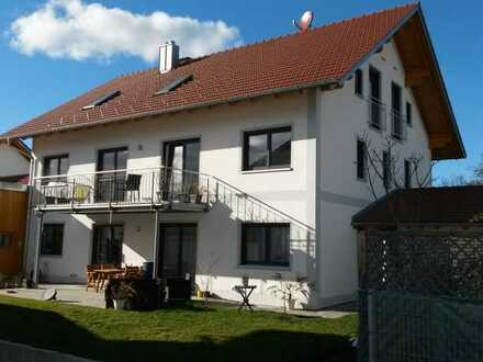 Helle 3 Zimmer-Wohnung DG mit Balkon
